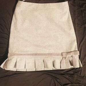 Banana Republic Wool ruffle trim skirt size 0